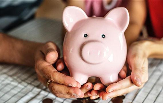 6年期以上才能超過定存,買儲蓄險都是傻子嗎?網曝超爽優勢:領到老年不是問題